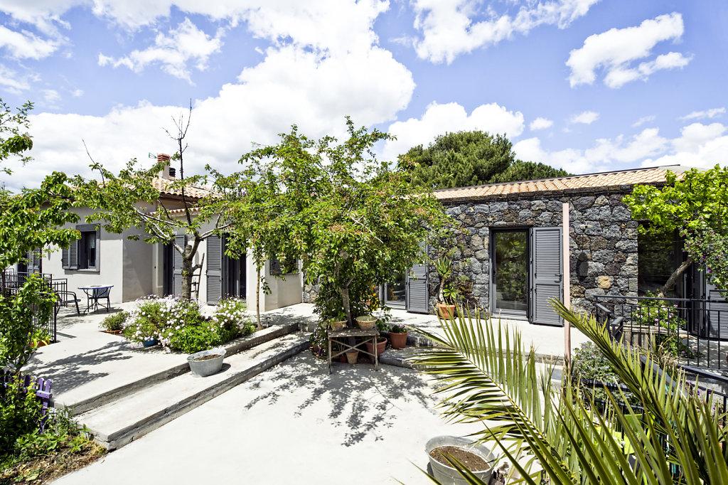 Casa-Ragalna-DSC1659-nuove.jpg